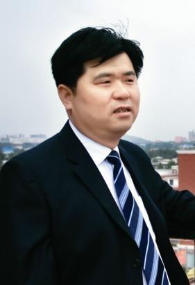 河南亿嘉集团董事长